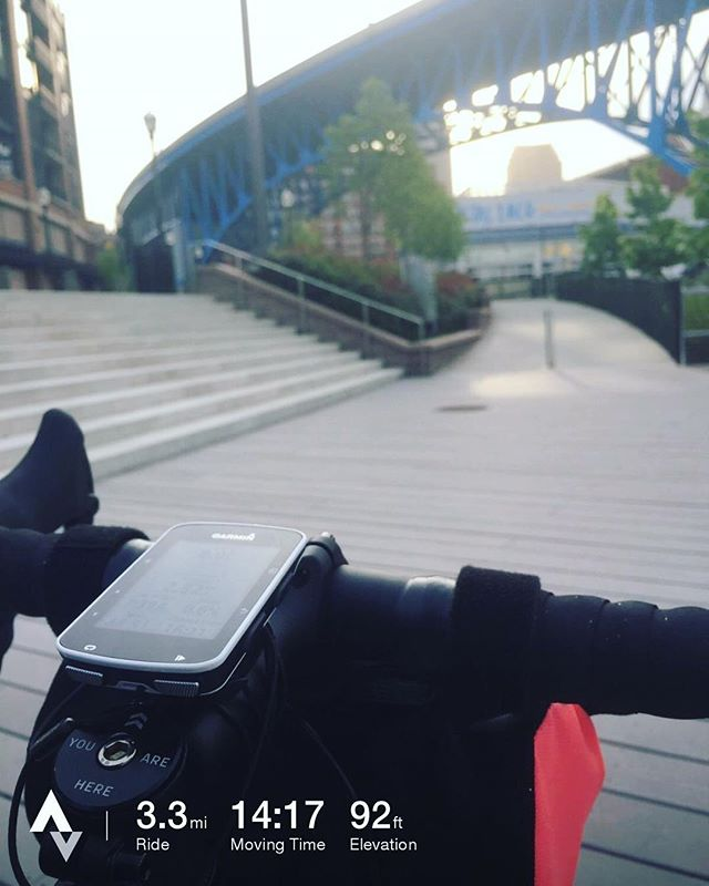 Calm commute with a stop in the flats east bank. #randysmilesforhope #pohr2017 #randyspohr #rrbinthewild - from Instagram